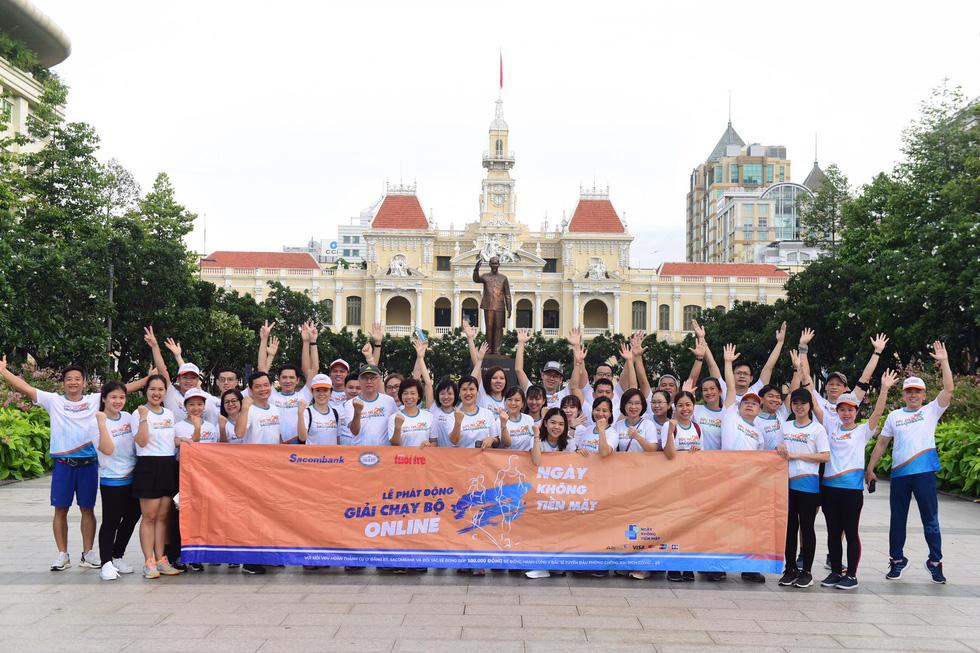 Giải chạy bộ hưởng ứng ngày không tiền mặt 2020: Ngày đầu háo hức - Ảnh 47.