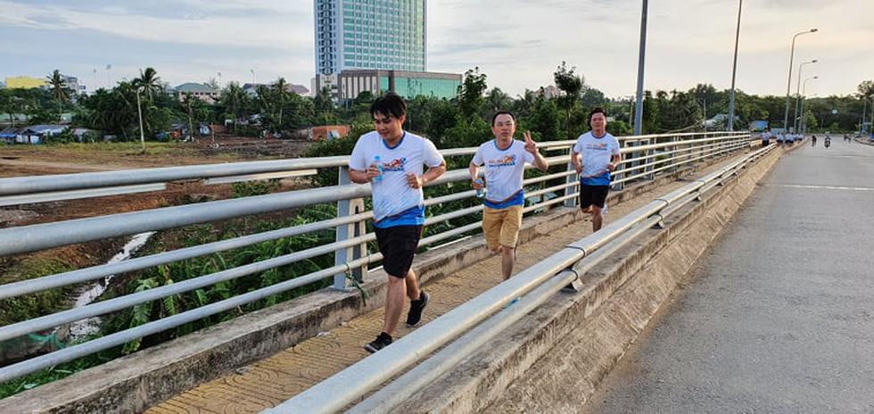 Giải chạy bộ hưởng ứng ngày không tiền mặt 2020: Ngày đầu háo hức - Ảnh 45.