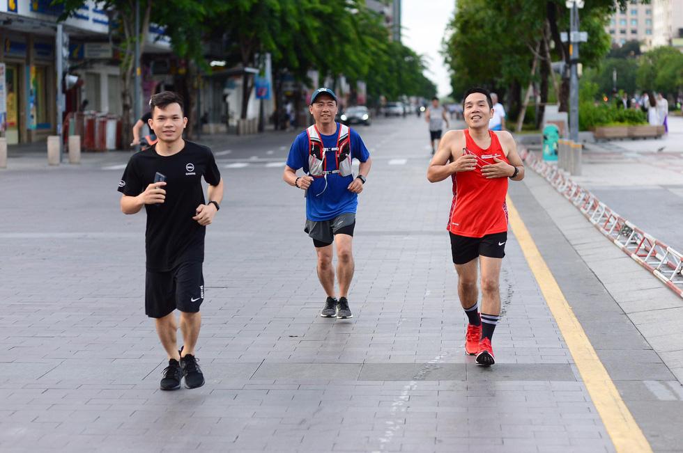 Giải chạy bộ hưởng ứng ngày không tiền mặt 2020: Ngày đầu háo hức - Ảnh 39.
