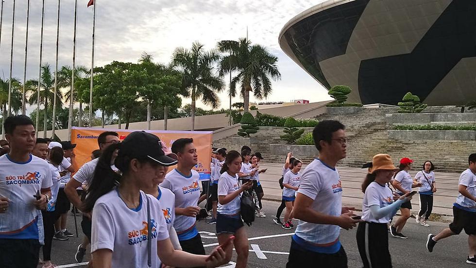 Giải chạy bộ hưởng ứng ngày không tiền mặt 2020: Ngày đầu háo hức - Ảnh 42.
