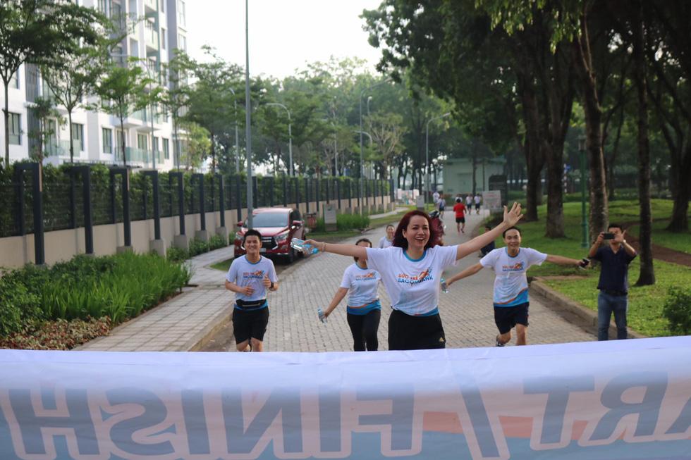 Giải chạy bộ hưởng ứng ngày không tiền mặt 2020: Ngày đầu háo hức - Ảnh 17.