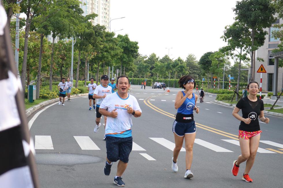 Giải chạy bộ hưởng ứng ngày không tiền mặt 2020: Ngày đầu háo hức - Ảnh 31.