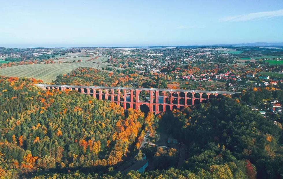 Vẻ đẹp của những cây cầu bằng gạch lớn nhất thế giới - Ảnh 4.