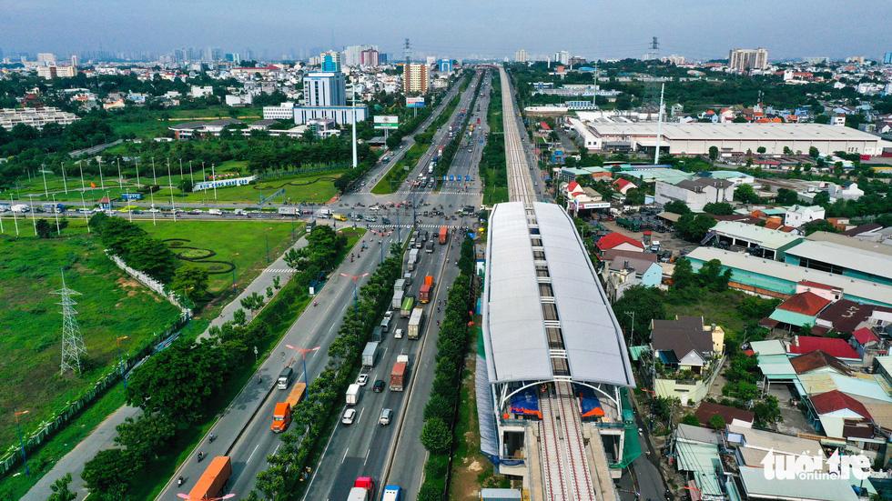 Cận cảnh các nhà ga trên cao tuyến metro Bến Thành - Suối Tiên - Ảnh 3.