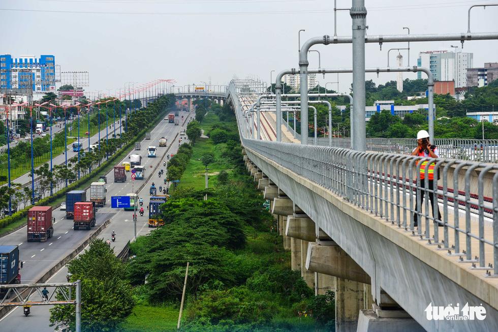 Cận cảnh các nhà ga trên cao tuyến metro Bến Thành - Suối Tiên - Ảnh 11.