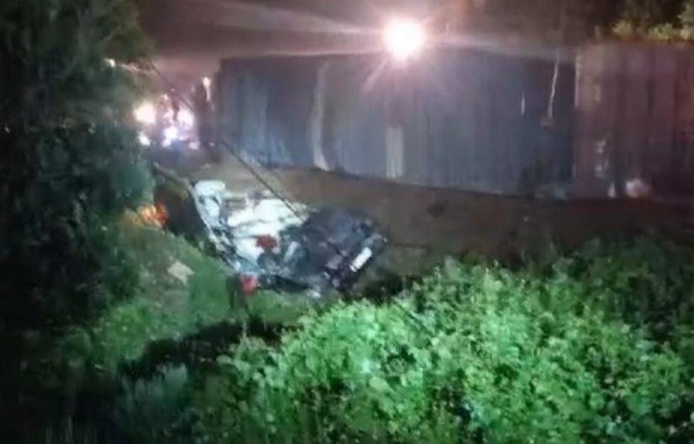 Xe 16 chỗ biển số Khánh Hòa bị xe container đè, giám đốc, thư ký và tài xế chết - Ảnh 7.