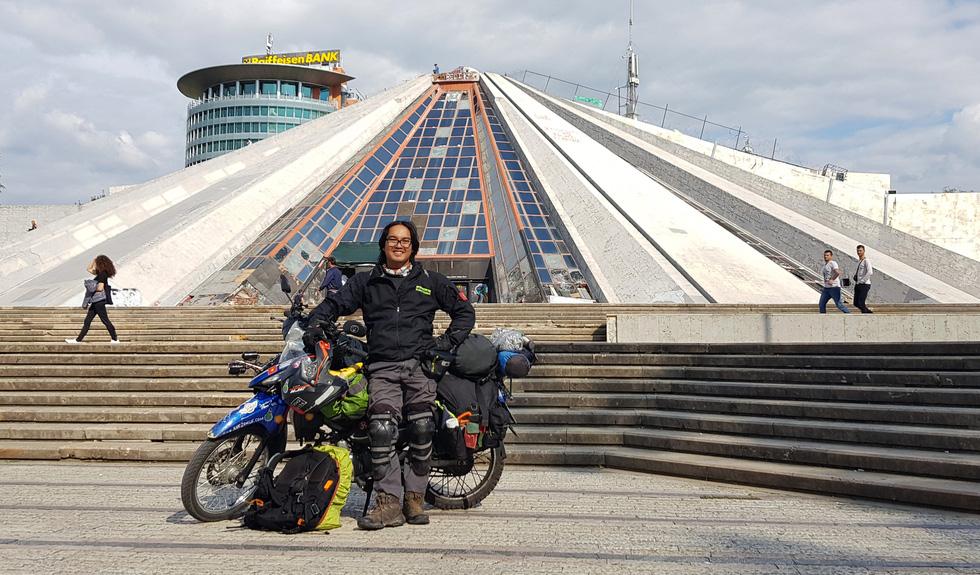 Chàng trai Việt đi xe máy vòng quanh thế giới: Học được muôn ngàn bài học ý nghĩa - Ảnh 16.