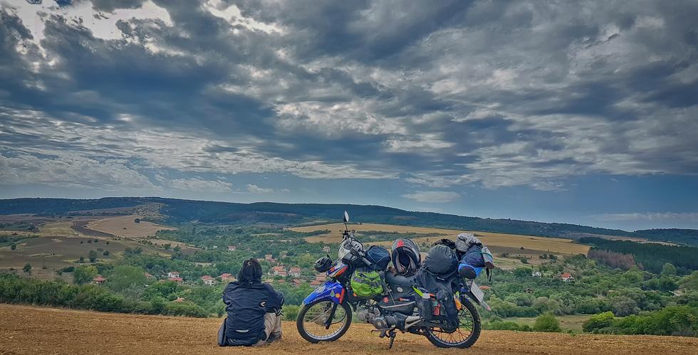 Chàng trai Việt đi xe máy vòng quanh thế giới: Học được muôn ngàn bài học ý nghĩa - Ảnh 15.