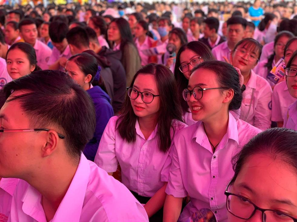 Sáng nay 20-6, tư vấn tuyển sinh - hướng nghiệp 2020 ở Quảng Nam - Ảnh 6.