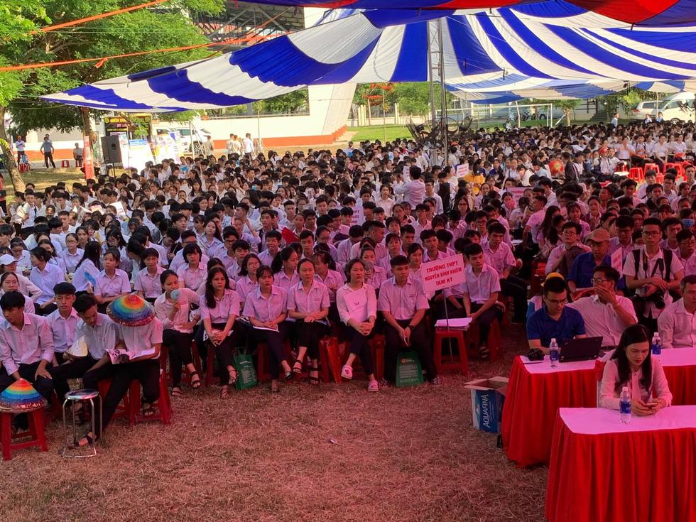 Sáng nay 20-6, tư vấn tuyển sinh - hướng nghiệp 2020 ở Quảng Nam - Ảnh 9.