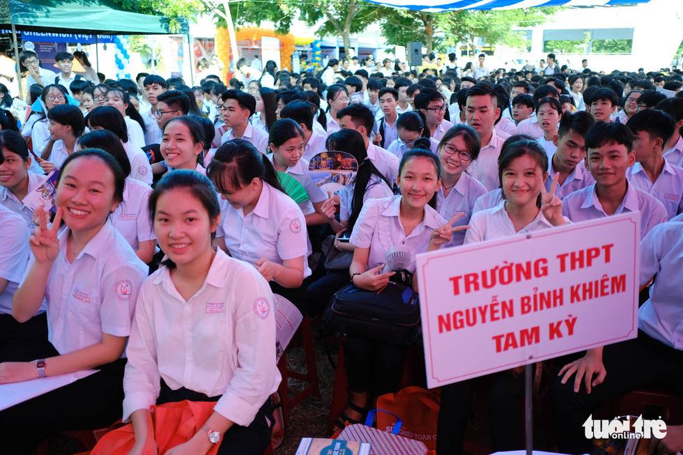 Sáng nay 20-6, tư vấn tuyển sinh - hướng nghiệp 2020 ở Quảng Nam - Ảnh 3.