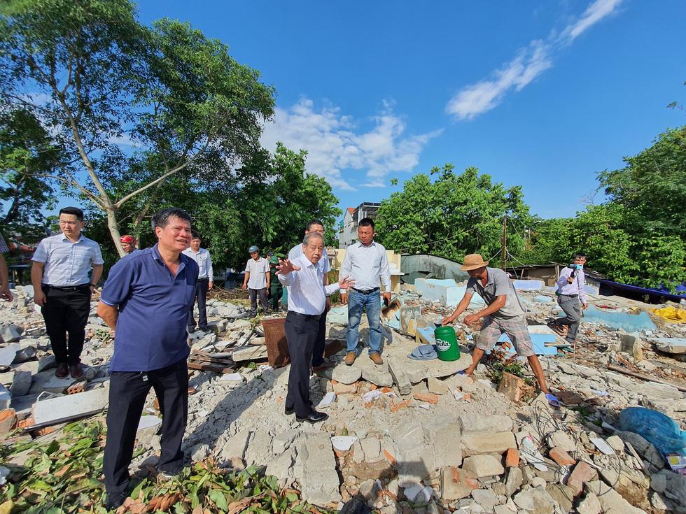 Hơn 1.000 người dân Huế dọn dẹp khu vực Thượng Thành - Ảnh 2.