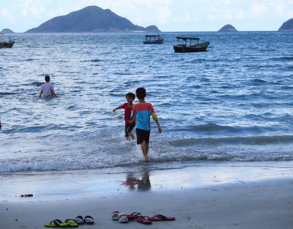 Thong dong Côn Đảo những ngày hè đẹp nhất trong năm - Ảnh 8.