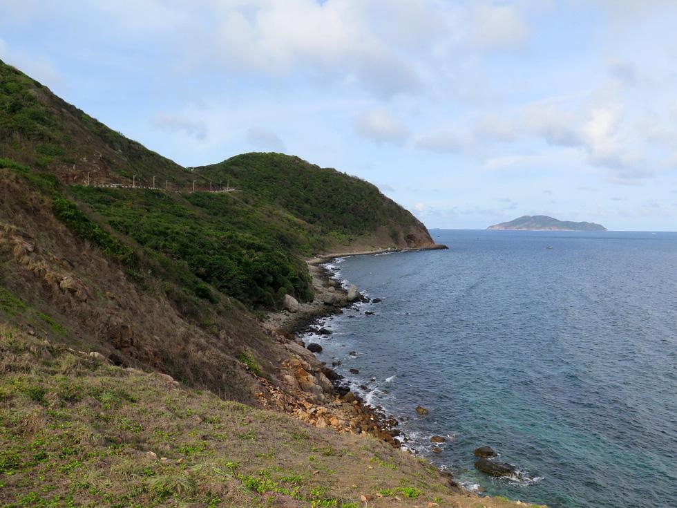 Thong dong Côn Đảo những ngày hè đẹp nhất trong năm - Ảnh 4.