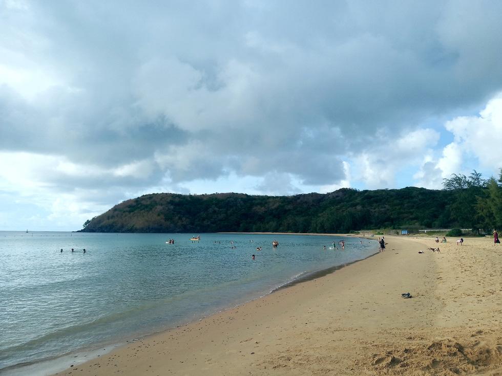 Thong dong Côn Đảo những ngày hè đẹp nhất trong năm - Ảnh 6.