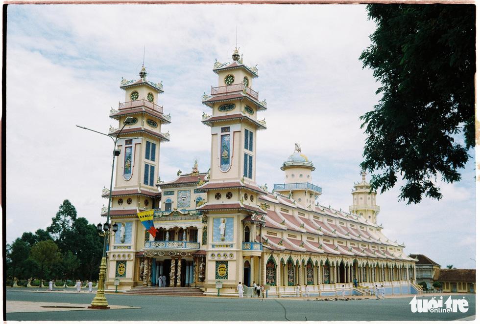Độc đáo kiến trúc tòa thánh lớn nhất của đạo Cao Đài - Ảnh 1.