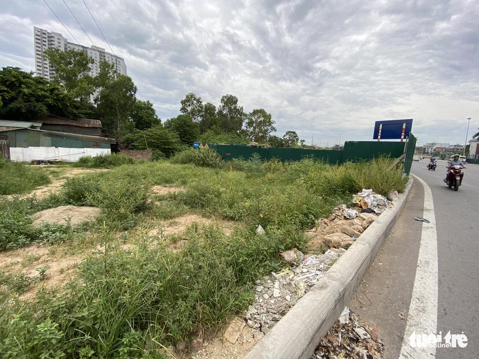 'Đại lộ' ngàn tỉ Chu Văn An dở dang, nhiều nơi ngập ngụa rác - Ảnh 9.