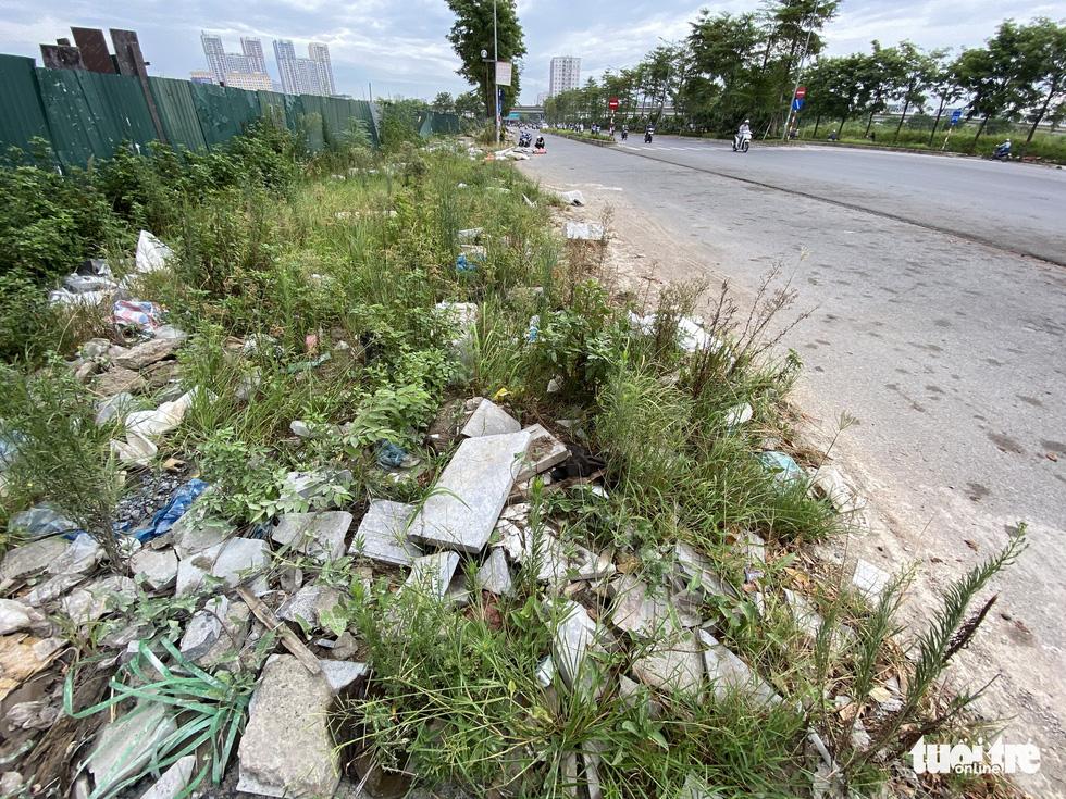 'Đại lộ' ngàn tỉ Chu Văn An dở dang, nhiều nơi ngập ngụa rác - Ảnh 5.