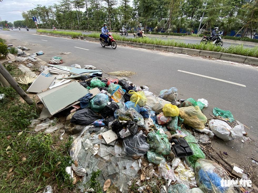 'Đại lộ' ngàn tỉ Chu Văn An dở dang, nhiều nơi ngập ngụa rác - Ảnh 6.