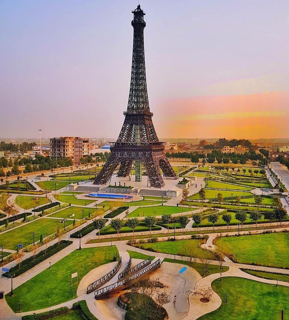 Tháp Eiffel và cảm hứng cho những phiên bản nổi tiếng trên thế giới - Ảnh 7.