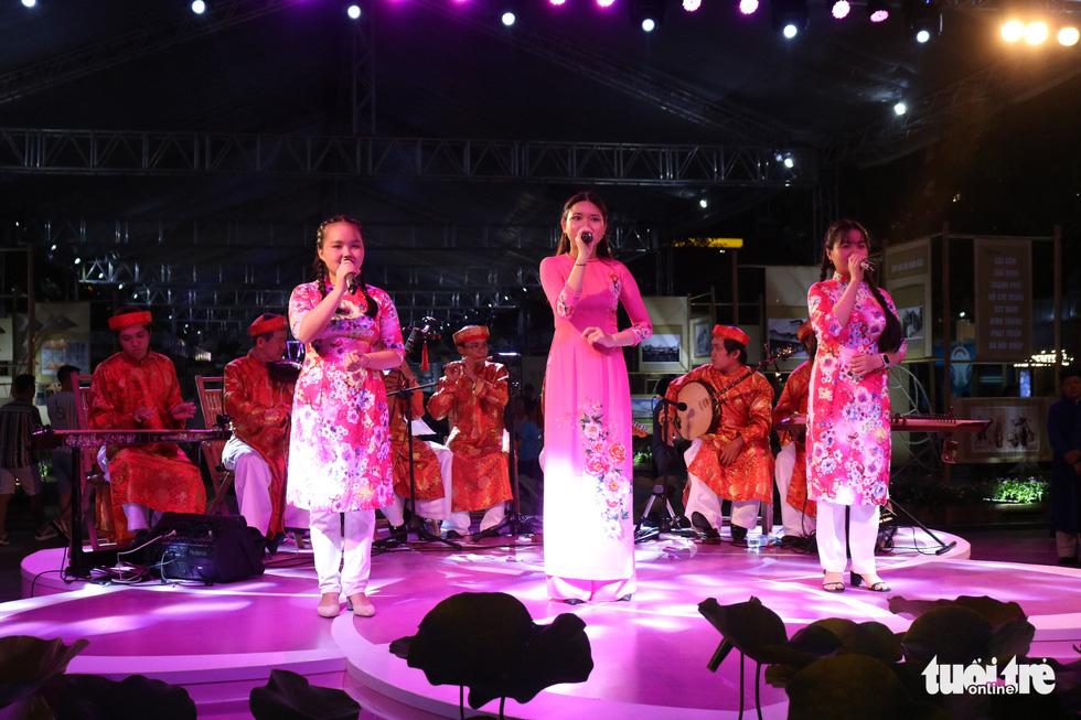 Lễ hội TP.HCM diễn ra 6 ngày từ 10h đến 22h30 tại phố đi bộ Nguyễn Huệ - Ảnh 4.