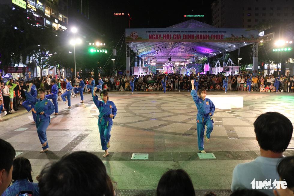 Lễ hội TP.HCM diễn ra 6 ngày từ 10h đến 22h30 tại phố đi bộ Nguyễn Huệ - Ảnh 10.