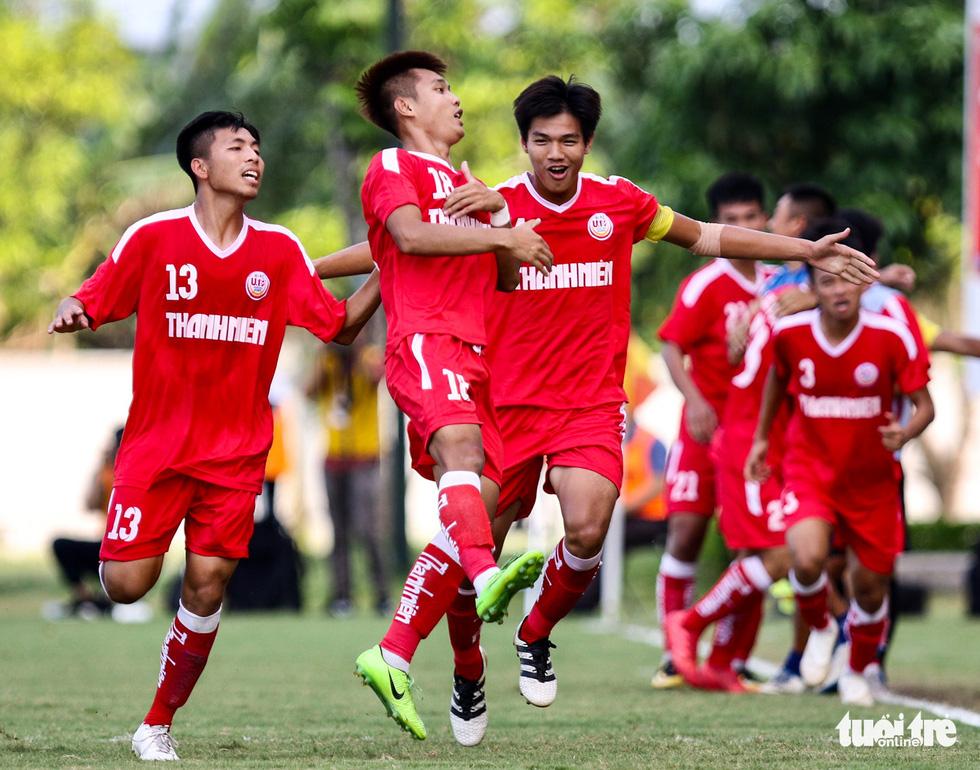 Hàng thủ mơ ngủ, Hoàng Anh Gia Lai lần thứ 3 lỡ hẹn chức vô địch U19 quốc gia - Ảnh 2.