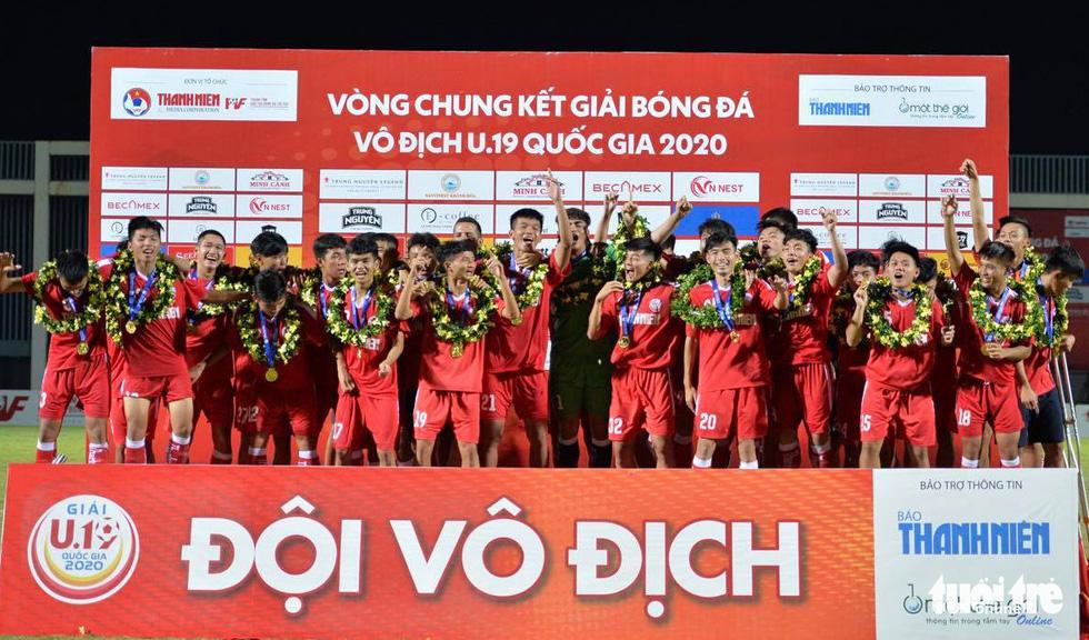 Hàng thủ mơ ngủ, Hoàng Anh Gia Lai lần thứ 3 lỡ hẹn chức vô địch U19 quốc gia - Ảnh 5.