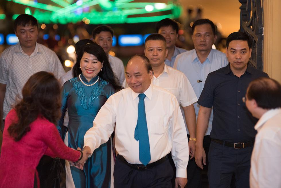 Thủ tướng Nguyễn Xuân Phúc dự đêm nhạc tưởng nhớ Trịnh Công Sơn - Ảnh 1.