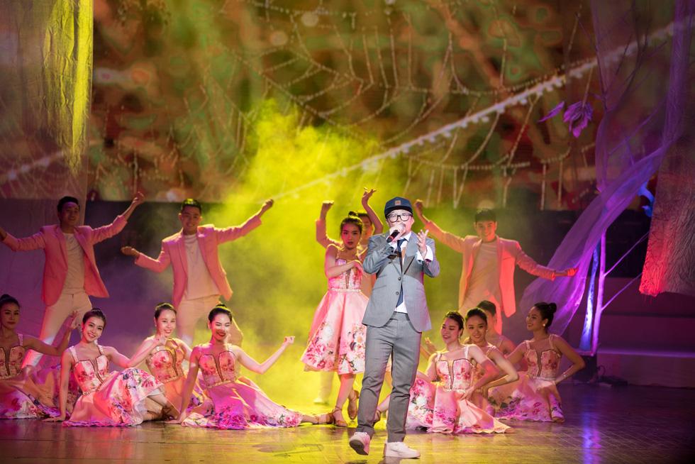 Thủ tướng Nguyễn Xuân Phúc dự đêm nhạc tưởng nhớ Trịnh Công Sơn - Ảnh 17.