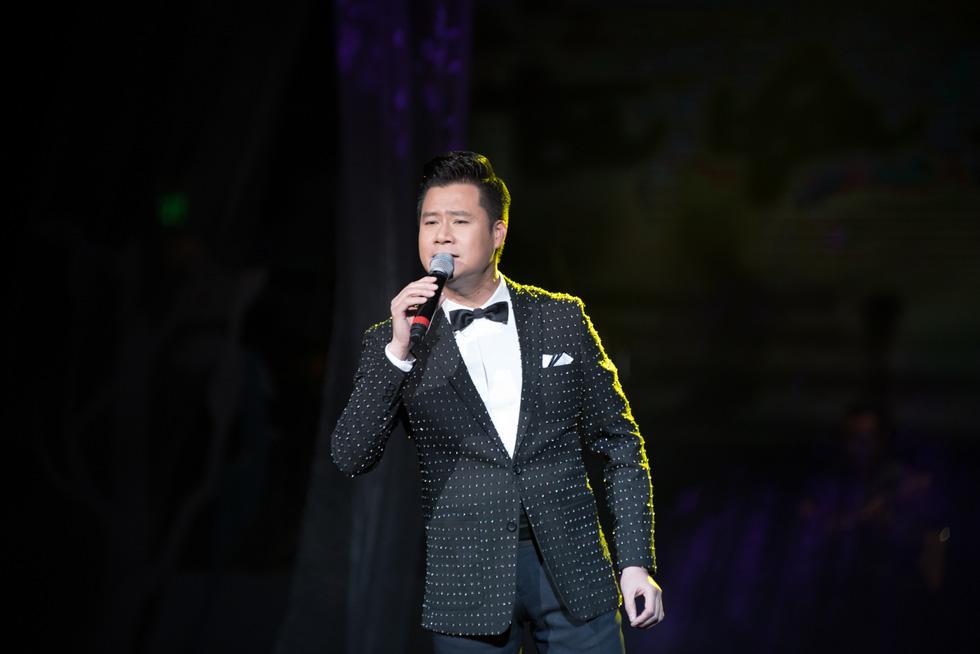 Thủ tướng Nguyễn Xuân Phúc dự đêm nhạc tưởng nhớ Trịnh Công Sơn - Ảnh 14.