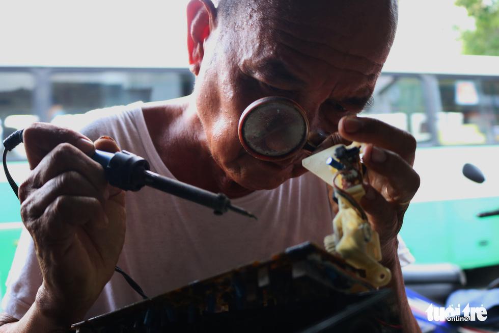 Người giữ âm thanh cũ ở Sài Gòn - Ảnh 3.