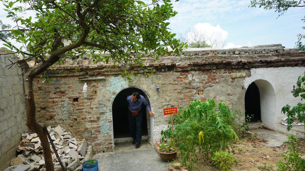 Choáng ngợp với tường thành 3 tầng bậc, 24 pháo đài kinh thành Huế xuất lộ - Ảnh 3.