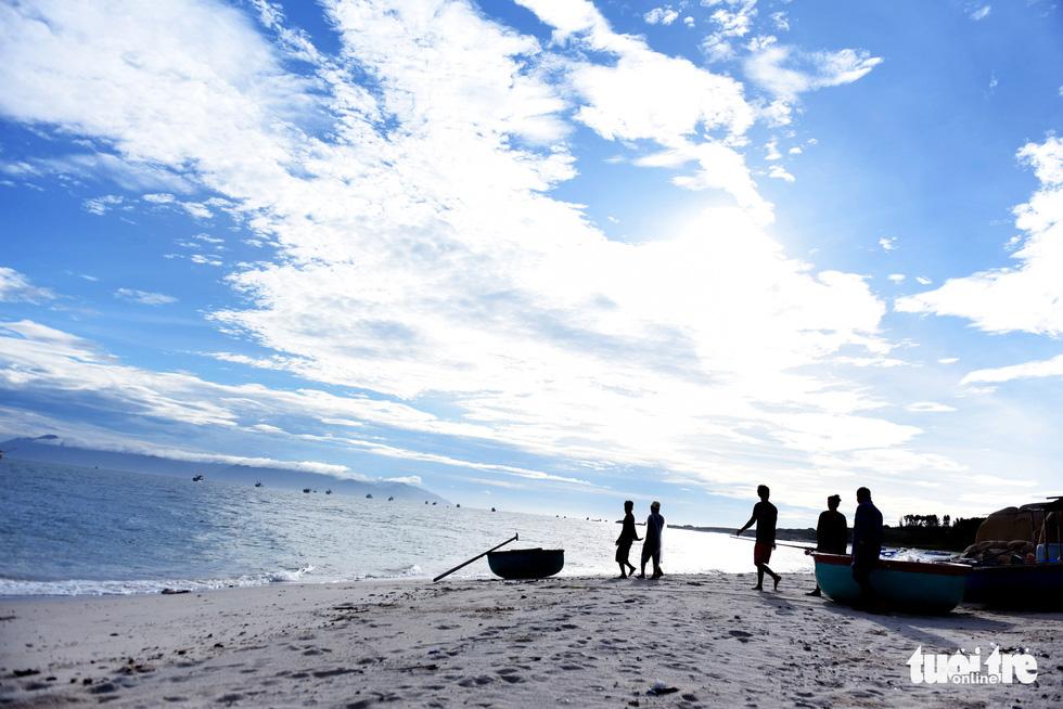 Đến Cù Lao Câu lặn ngắm san hô, ngắm vương quốc đá - Ảnh 3.