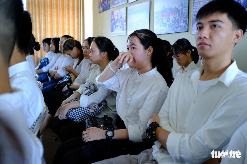 Học bổng tiếp sức cho 175 học sinh, sinh viên khó khăn miền Trung bị ảnh hưởng dịch Covid-19 - Ảnh 3.