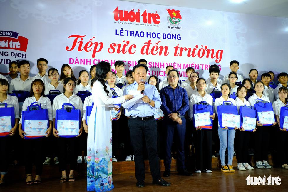 Học bổng tiếp sức cho 175 học sinh, sinh viên khó khăn miền Trung bị ảnh hưởng dịch Covid-19 - Ảnh 7.