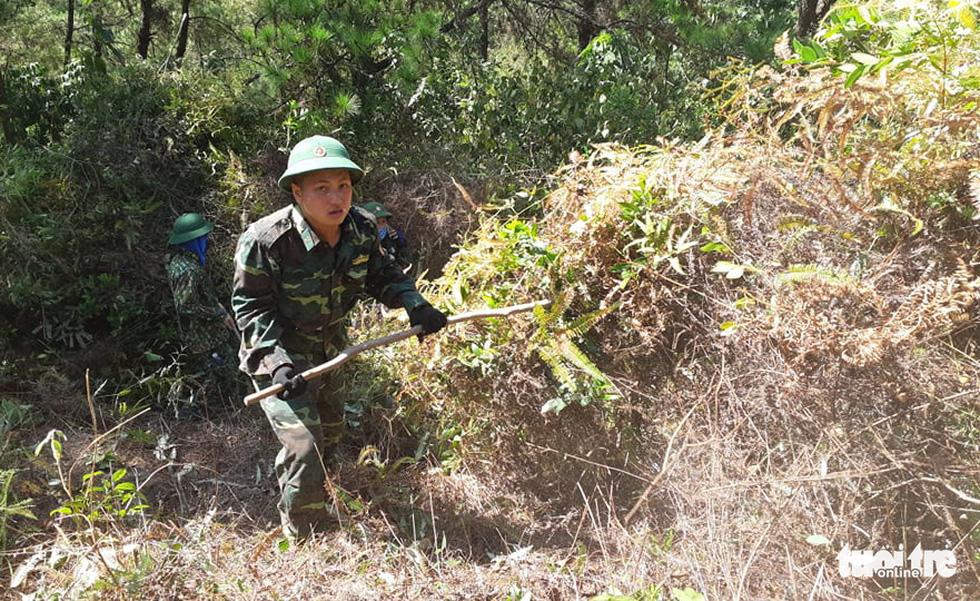 Hơn 500 người đang chữa cháy rừng ở Hà Tĩnh - Ảnh 7.
