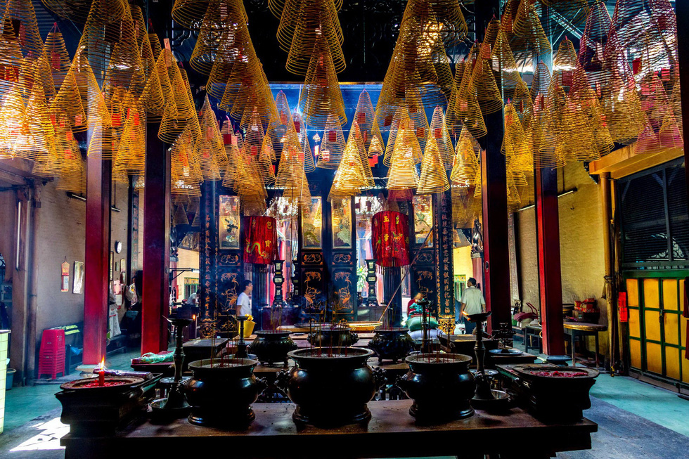 Khám phá 3 hội quán lâu đời ở Sài Gòn - Ảnh 9.