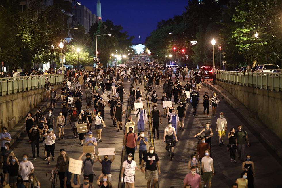 Căng thẳng leo thang ở New York khi người biểu tình bất chấp giới nghiêm - Ảnh 5.