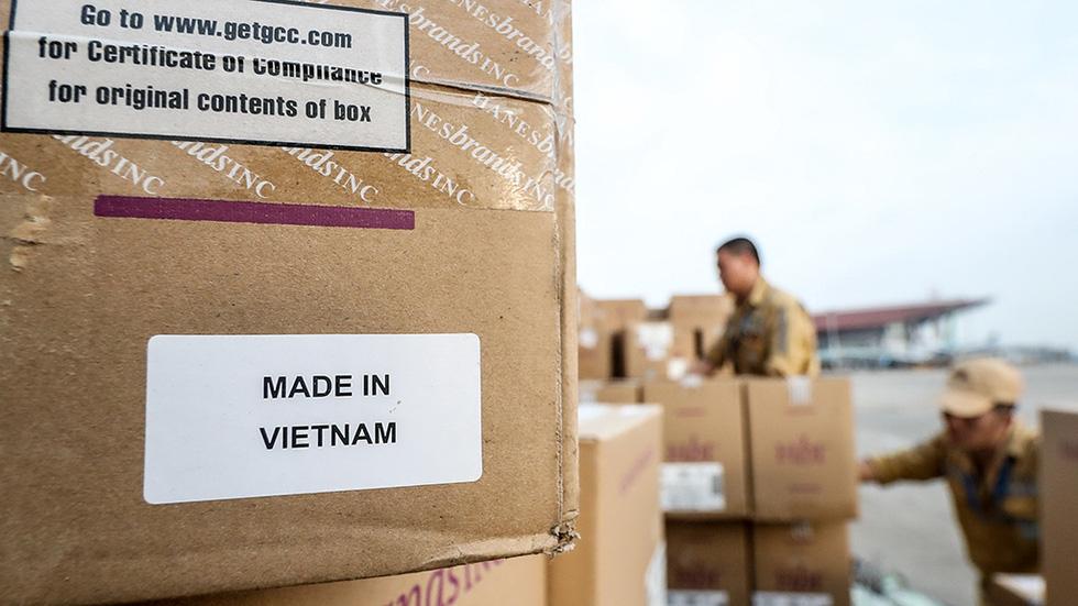 Khẩu trang Việt giúp thế giới an toàn hơn - Ảnh 6.
