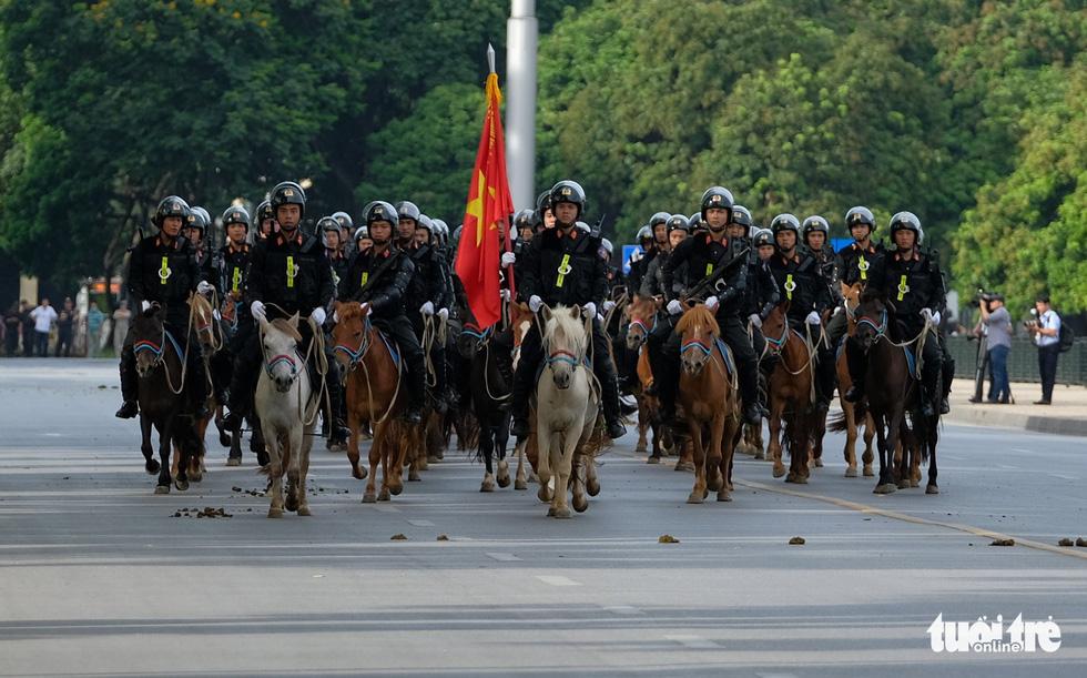 Ra mắt Đoàn cảnh sát cơ động kỵ binh - Ảnh 11.