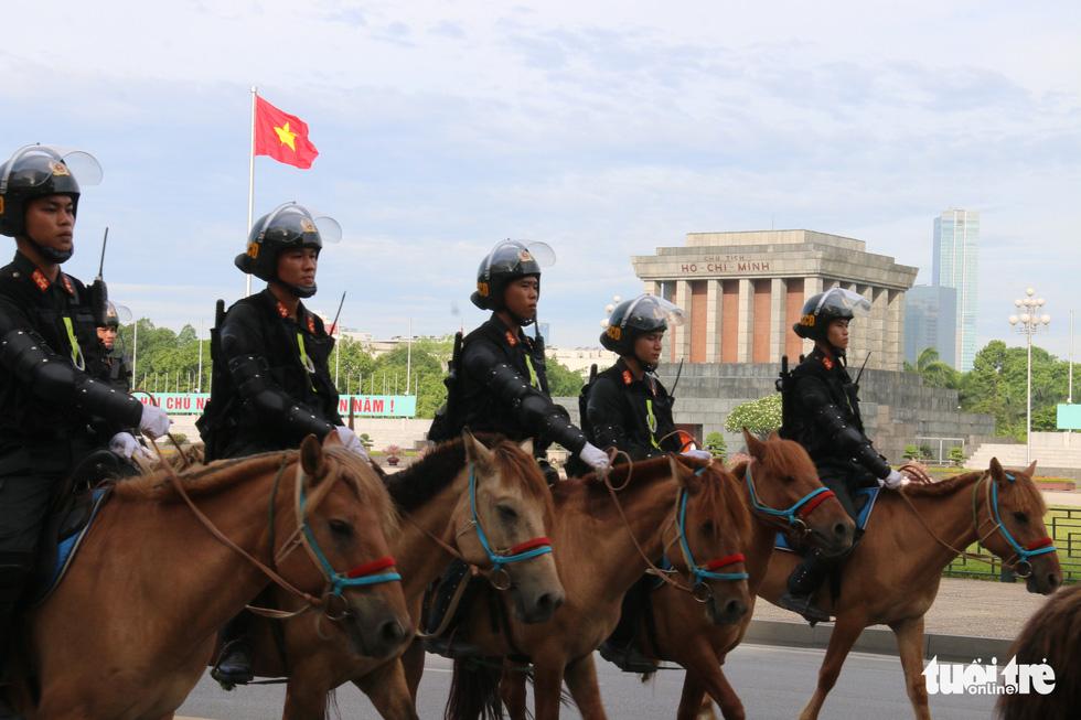 Ra mắt Đoàn cảnh sát cơ động kỵ binh - Ảnh 3.