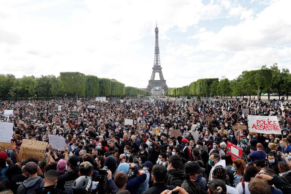 Bất chấp nguy cơ dịch lây lan, biểu tình vẫn lan rộng ở Mỹ và nhiều nước - Ảnh 10.