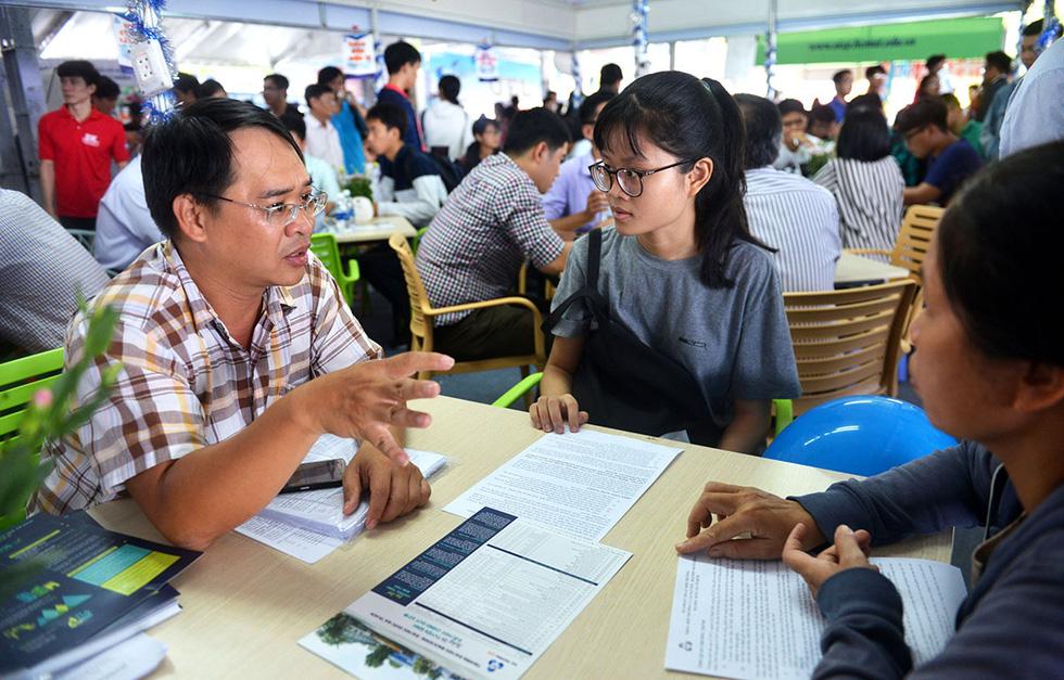 Báo Tuổi Trẻ tổ chức tư vấn tuyển sinh đại học, cao đẳng ở 17 tỉnh, thành - Ảnh 1.