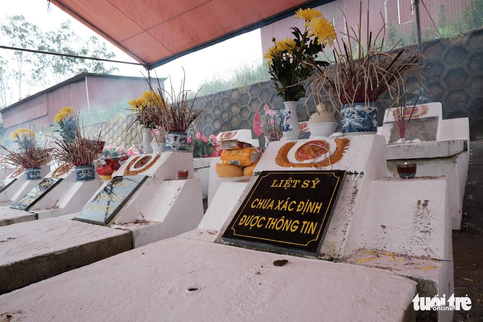 Đưa liệt sĩ từ núi đá, hang sâu về an nghỉ tại nghĩa trang Vị Xuyên - Ảnh 10.