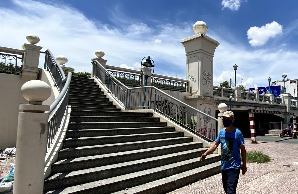 Ngắm đoạn đường Đinh Tiên Hoàng sắp đổi tên thành Lê Văn Duyệt - Ảnh 4.