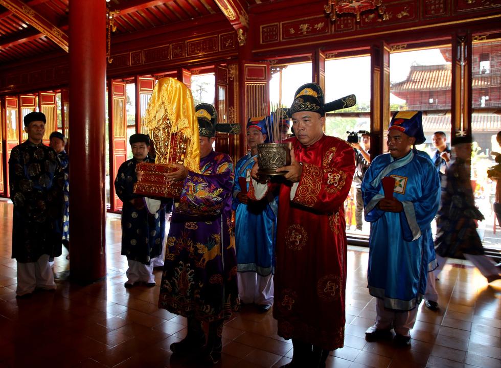 Rước Long vị vua Hàm Nghi trở về thành Tân Sở - Ảnh 4.