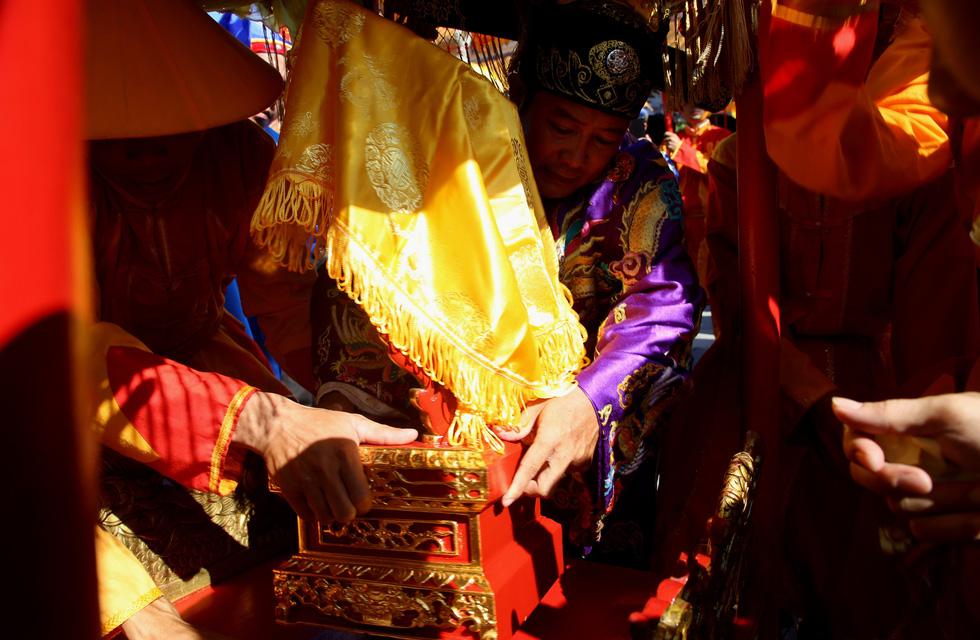 Rước Long vị vua Hàm Nghi trở về thành Tân Sở - Ảnh 5.