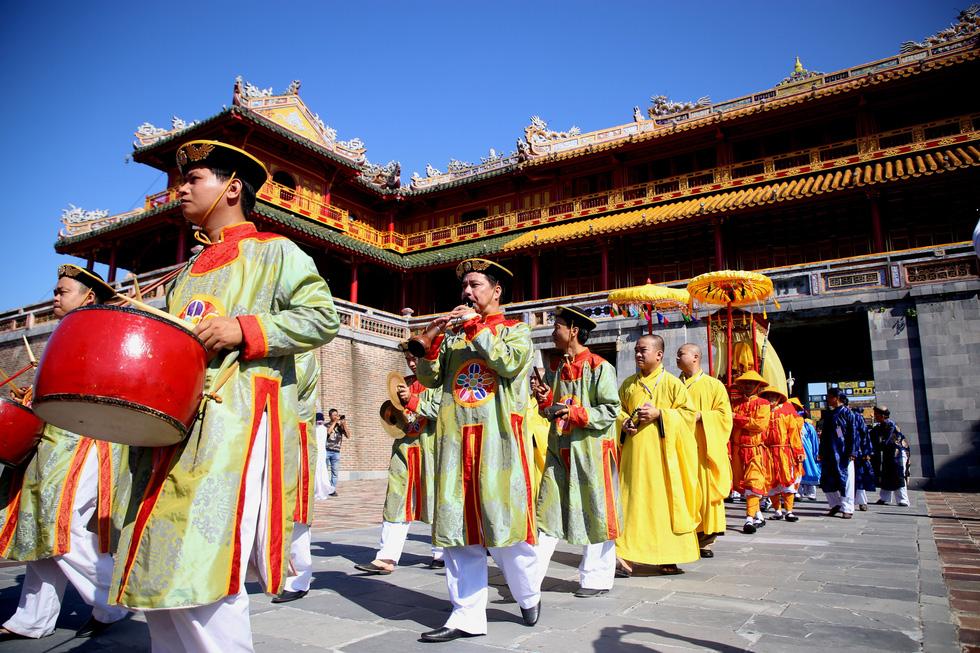 Rước Long vị vua Hàm Nghi trở về thành Tân Sở - Ảnh 6.