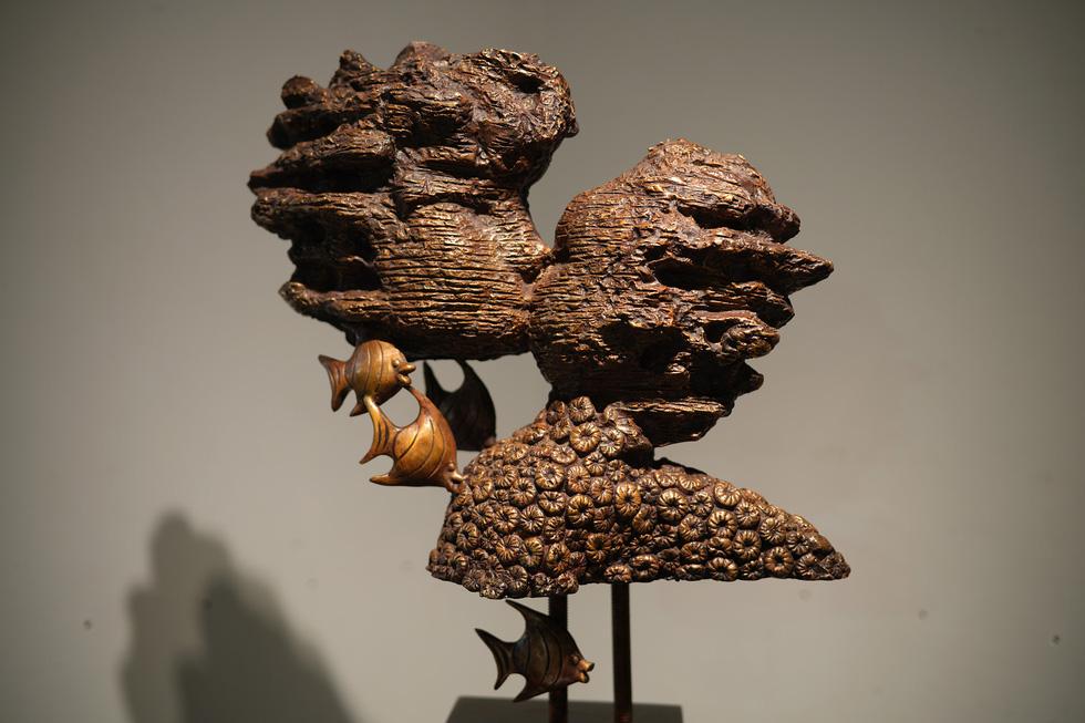 Ngắm tác phẩm của các điêu khắc gia sau mùa dịch COVID-19 - Ảnh 10.